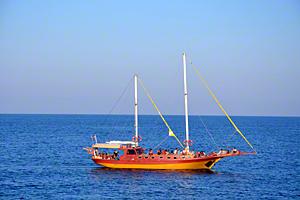 Кораблик у берегов Лозенеца