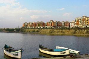Лодки возле города Ахелой