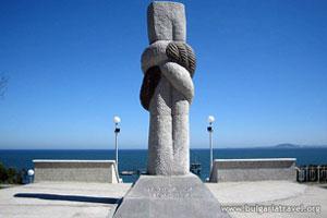 Памятник около Морской сад