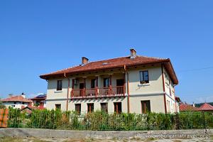 Дом в Добриниште