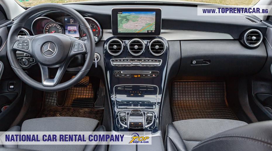 Mercedes-Benz C220 - интериор