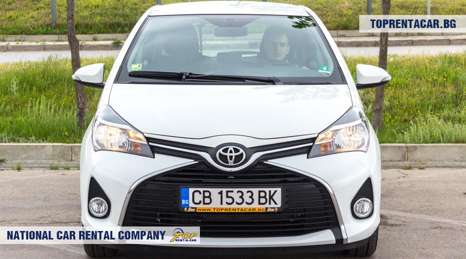 Toyota Yaris - вид спереди