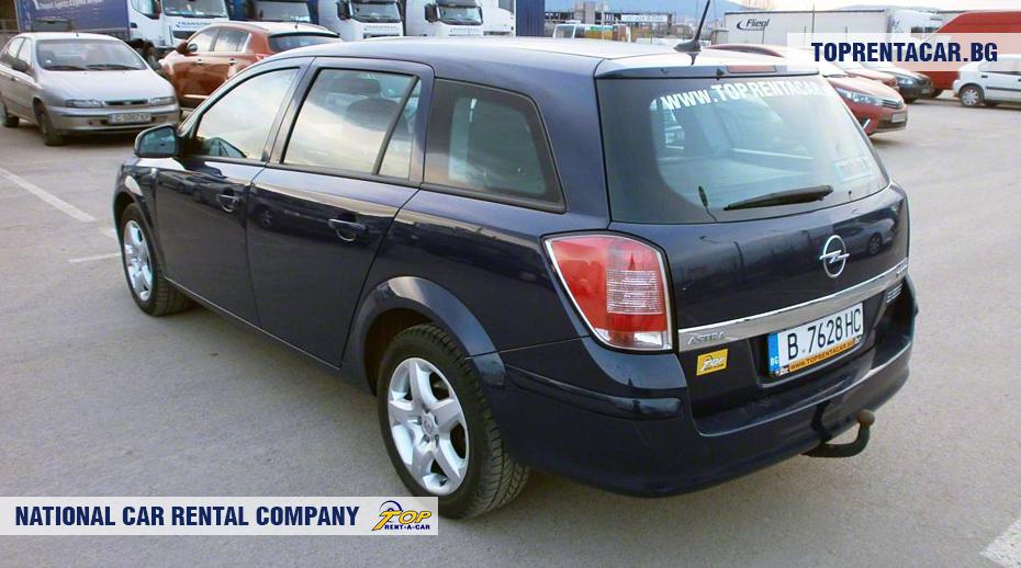 Opel Astra - вид сзади