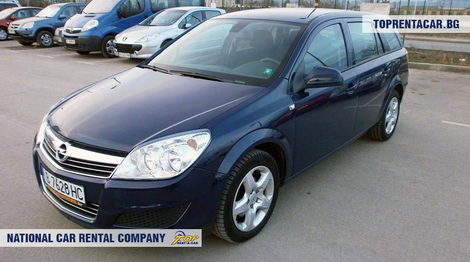 Opel Astra - вид спереди