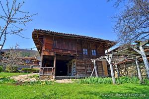 Старинный дом в Котеле